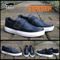 striper black sneakers  / sepatu murah / best seller / sepatu santai