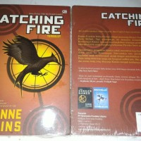 Novel The hunger games Catching fire tersulut Suzanne collins original