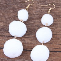 Anting Gantung Fashion White Ball Decorated Simple Pom A50095