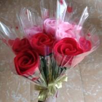 Buket mawar flanel 1 tangkai / mawar valentine / mawar wisuda, dll