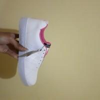 Sepatu Adidas Advantage Pink