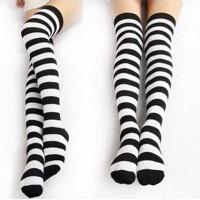 Kaos kaki cosplay anime alice in wonderland panjang hitam putih stripe