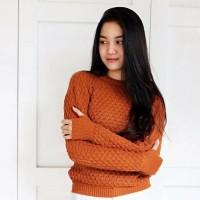 Roundhand Popcorn Coral Sweater Baju Hangat Wanita Model Nanas Murah