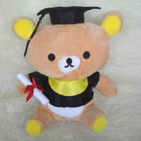 Boneka Wisuda Rilakuma / Doraemon / Stitch / Hello Kitty Polos