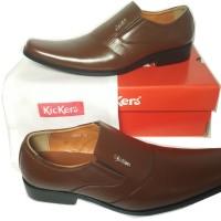 Sepatu kulit Kickers pantofel 2284