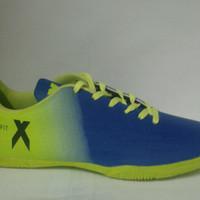 Sepatu Futsal Adidas techfit