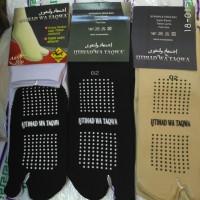 Perlengkapan haji dan umroh pria wanita kaos kaki jempol anti slip