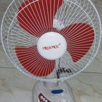 Kipas Angin Meja / Desk Fan 12 Inci Trisonic 121