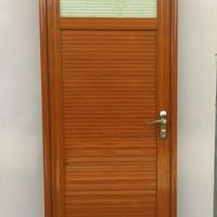 pintu kamar mandi aluminium 70cm x2M urat kayu handle kanan