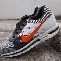 Sepatu Nike Zoom Sneakers Olahraga