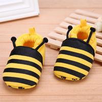 Sepatu Bayi Motif Lebah Prewalker Shoes Karakter Lucu Baby Bee