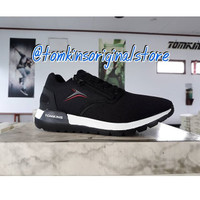 Sepatu Sport Tomkins Avengers