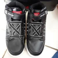 sepatu sekolah anak tanggung merk dallas model boots hitam putih