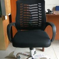 kursi kantor/kursi putar/kursi direktur kk 053