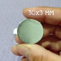 MAGNET NEODYMIUM SUPER KUAT 30X3 MM