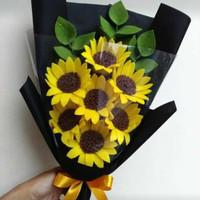 buket flanel elegan dengan berbagai jenis bunga