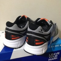 Sale Sepatu Running/Lari Kelme Seattle Black Grey 1314039 Original