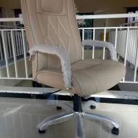 Kursi Direktur Krem|Manager | Kursi Kantor I Kursi Meeting model 9969