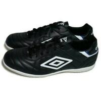 Sepatu Futsal Umbro Speciali Eternal Club IC (Black/Whi Berkualitas