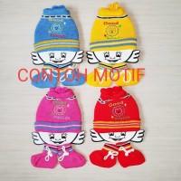 Topi Rajut Bayi + Kaos Kaki Set