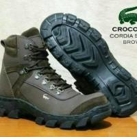 Sepatu Crocodile Boots Pria Proyek Outdoor Safety Ujung Plat Besi