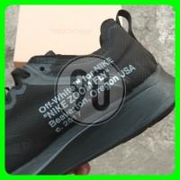 Sepatu Sneakers Pria Nike Zoom Air Off White Warna Hitam dan Putih