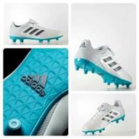 Sepatu bola Adidas sport online