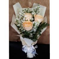 bouquet bunga wisuda bucket bunga mawar fresh buket hadiah ulang tahun