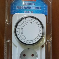 Stop Kontak Timer 24 Jam Kenmaster