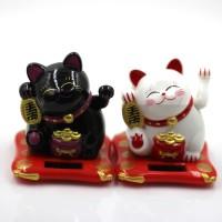 Kucing Keberuntungan Maneki Neko Fengshui