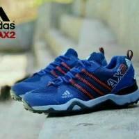 Sepatu adidas running pria sneaker