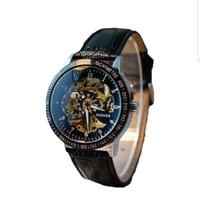 jam tangan mekanis analog