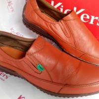 Sepatu Pria Casual Slip On Kickers AP-201 Orange