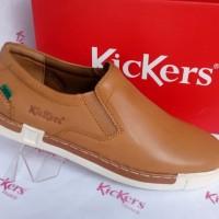 Sepatu Pria Casual Kickers Slip On BR 203 Tan