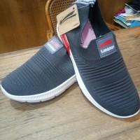 sepatu wanita slip on launch