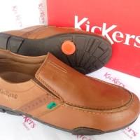 Sepatu Slip On Pria Casual Kickers AP 020 Coklat Muda