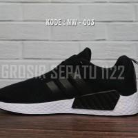 Sepatu sneakers wanita running adidas NMD R2 Women black white