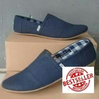sepatu slip on toms biru/toms/sneakers/skechers/sepatu pria/wanita