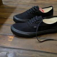 sepatu vans autentic full black
