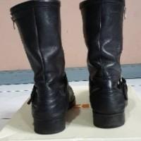 Jual Sepatu Boots Hugo Boss Orange, Second, Terawat, Original