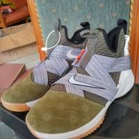 Sepatu Basket Nike Lebron Zoom Soldier 12 land and Sea