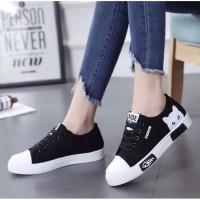 Sepatu Sneakers Kets Sport Wanita - Putih, 37