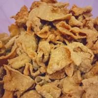 Keripik kulit ayam balut tepung rasa sapi panggang 250 gr kripik