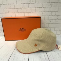 TOPI HERMES CREAM WITH BOX MIRROR QUALITY