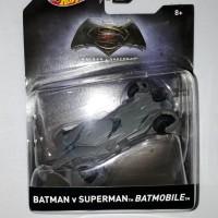 Hot Wheels Batman Vs Superman Batmobile Skala 50 Ban Karet