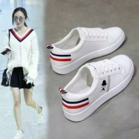 Sepatu Santai Kets Wanita Kumis Putih Sneakers Poxing SP01