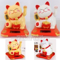 Boneka Solar Pajangan Patung Maneki Neko Lucky Cat - Kucing Hoki - L