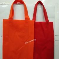 Tas Spunbond Handle uk 25x35x8 / Goodie Bag / Tas Kain Polos