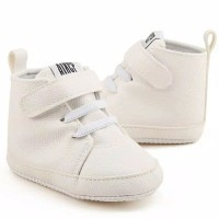 Sepatu bayi warna putih / Sepatu putih bayi / Prewalker bayi