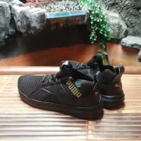 Sepatu pria merk puma original